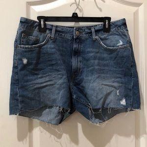 H&M distressed denim shorts NWT